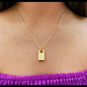chanel lock necklace